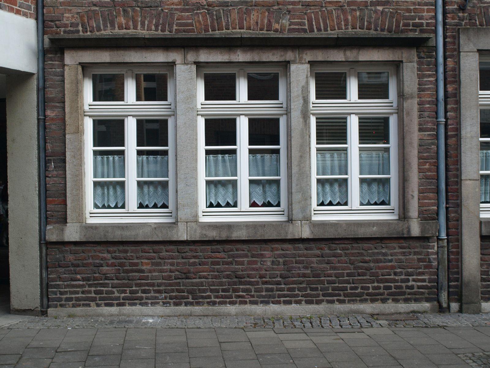 Gebaeude-Tueren-Fenster_Textur_A_P1179334