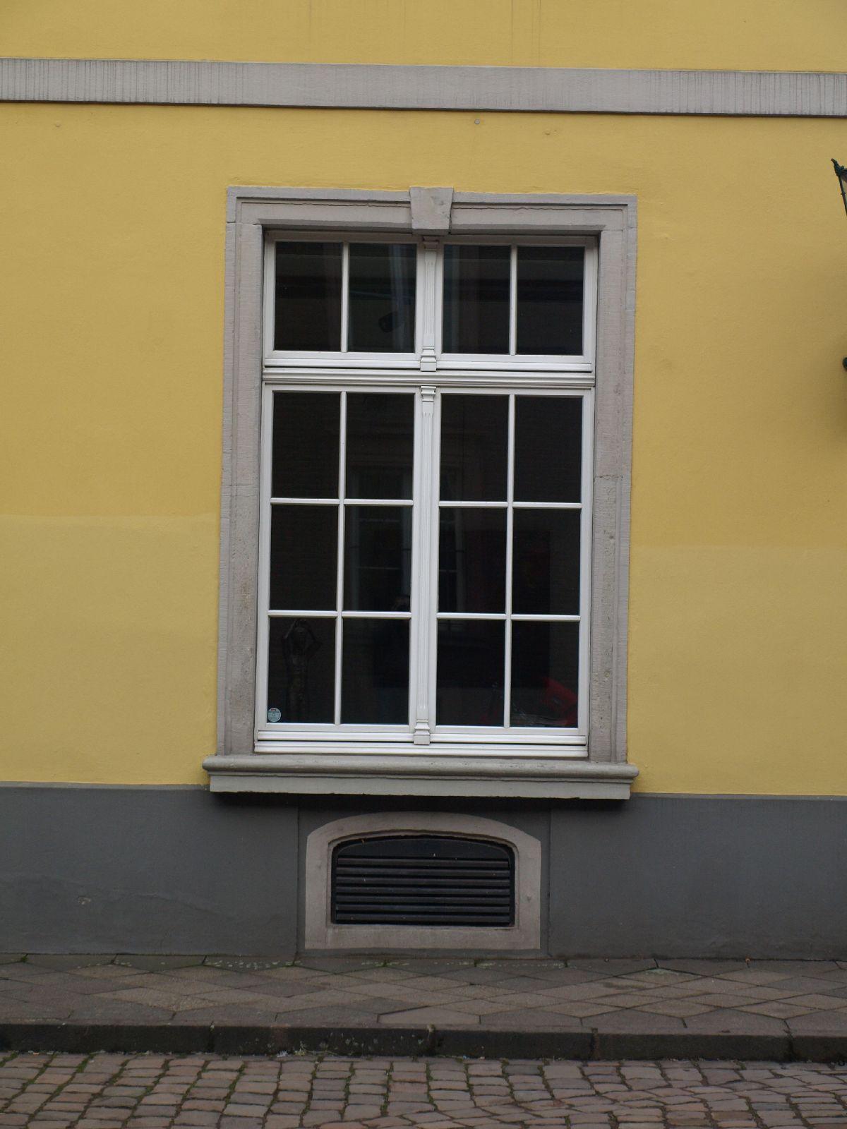 Gebaeude-Tueren-Fenster_Textur_A_P1179355