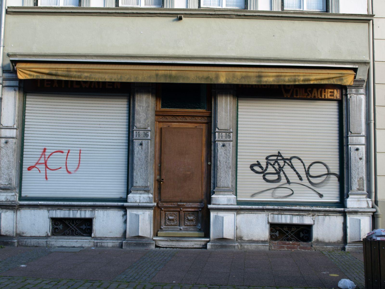 Gebaeude-Tueren-Fenster_Textur_A_P6223612