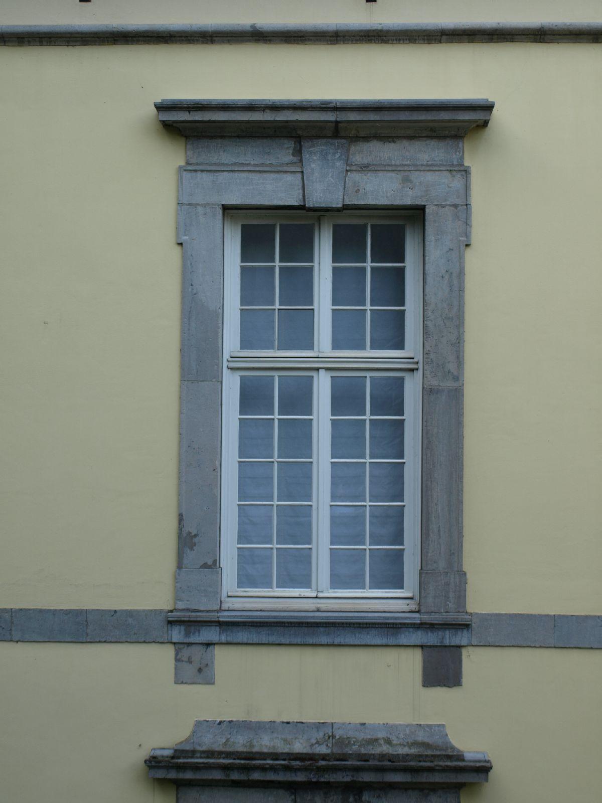 Gebaeude-Tueren-Fenster_Textur_A_P8164427